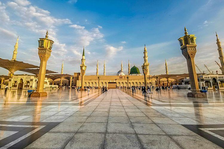 Masjid Nabawi di Kota Madinah.