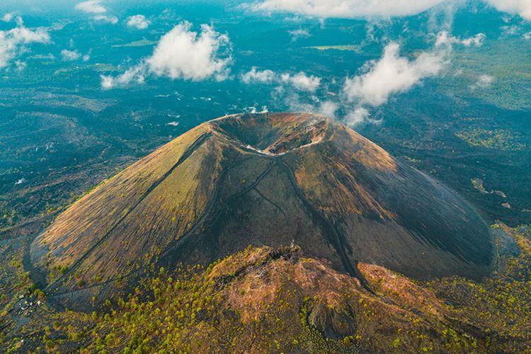 Gunung Api Paricutin, Meksiko yang tumbuh di ladang jagung.