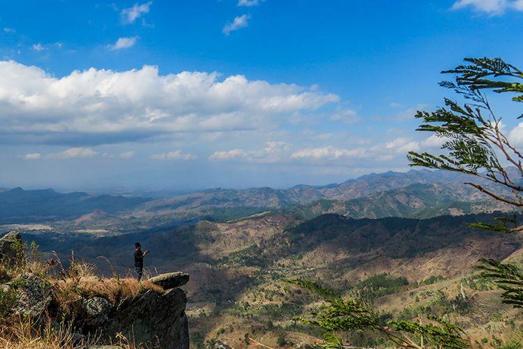 Gunung Besek di Kecamatan Kismantoro, Wonogiri, Jawa Tengah yang cocok untuk pemula.