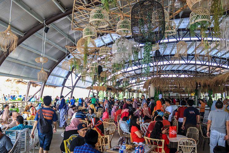 Resto Sepoi-sepoi di Dusun Semilir Bawen.
