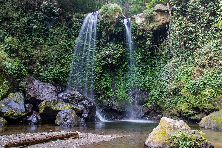 Air Terjun Grenjengan Kembar di Lereng Gunung Merbabu.