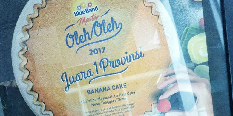 Banana Cake terpilih sebagai juara satu tingkat Provinsi NTT dalam lomba oleh-oleh khas daerah yang digelar oleh Blue Band.