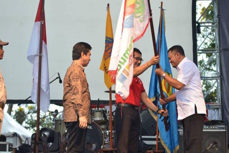 Dalam kesempatan yang sama, Drs. KN. Boy Jayawibawa, Kepala Dinas Pemuda dan Olahraga (Disdikpora) Provinsi Bali, mewakili Gubernur Bali, berharap peserta kirab dapat menjadi teladan bagi pemuda se-Indonesia.