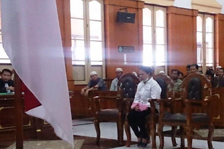 Sisi Meiliana divonis 18 bulan penjara oleh majelis hakim PN Medan pada Selasa (21/8/2018), karena terbukti bersalah melakukan protes terhadap suara azan