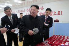 Kim Jong Un Ingin Memodernisasi Pabrik Kaca Taegwan