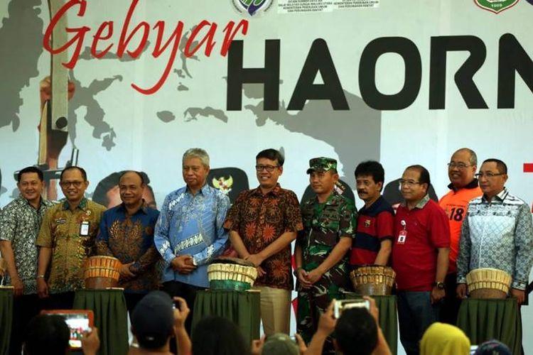 Hari Olahraga Nasional (Haornas) 2018 yang mengambil tema Ayo Olahraga Bangun Indonesia di Ternate, rangkaiannya ditandai oleh pembukaan Gebyar Haornas di Dhuafa Center, Ternate, Jumat (7/9/2018).