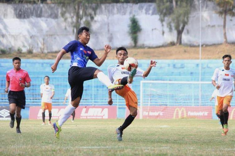 Universitas Negeri Malang (UM) memperlebar peluang menuju empat besar LIMA Football: McDonald?s East Java Conference (EJC) 2018.