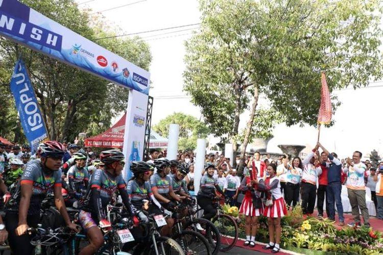 Tiga kegiatan sekaligus seperti Sepeda Nusantara, Fun Run 5km dan pelepasan Jelajah Sepeda Nusantara menuju Denpasar sejauh 82 Km digelar sekaligus pada Minggu (4/11/2018).
