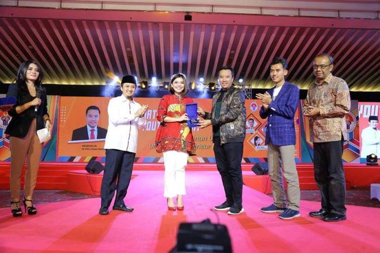 Lebih dari 2.000  peserta mengikuti kegiatan National Youth Summit Kemenpora di Grand Sahid, Jakarta, Minggu (15/4) siang. Mengambil tema Kepemimpinan Utama untuk Entrepreneur Muda,