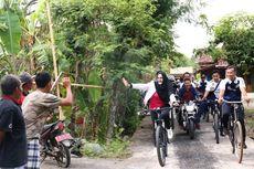 Kolaborasi Sepeda Nusantara dan Olahraga Tradisional