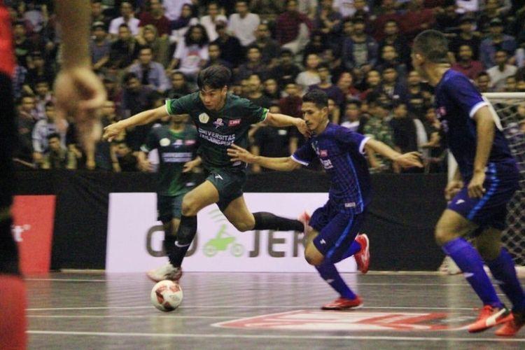 Tim pendatang baru Universitas Tanjung Pura (Untan) secara mengejutkan tampil sebagai juara   LIMA Futsal: Bolalob.com Kalimantan Conference 2018.
