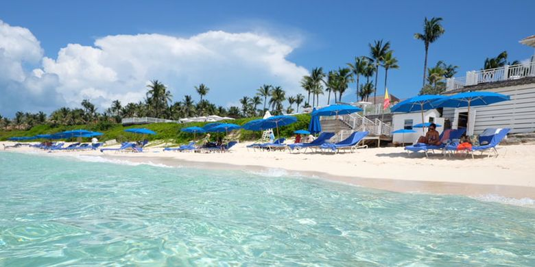 Pantai di Bahama.