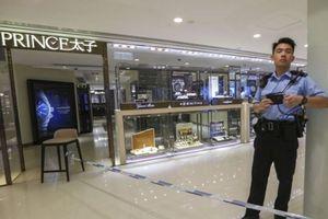 27 Detik, Perampok Kabur Bawa Perhiasan Senilai Total Rp 9 Miliar