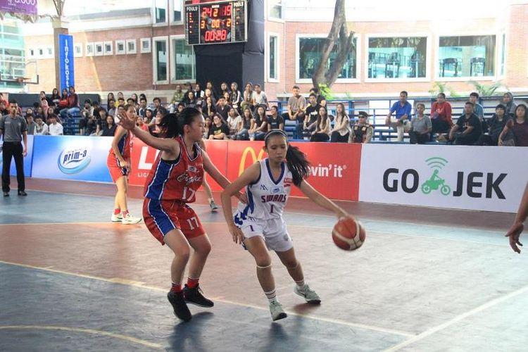 Perebutan takhta juara LIMA Basketball Greater Jakarta Conference 2018 yang disajikan tim putri Universitas Pelita Harapan (UPH) melawan Universitas Esa Unggul (UEU), Senin (2/7/2018) berlangsung seru.