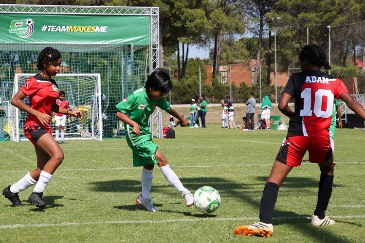 Di MILO Champions Cup, sistem pertandingan yang diterapkan adalah five-a-side, yaitu variasi permainan sepak bola yang dimainkan oleh lima pemain dalam satu tim dengan lapangan yang lebih kecil dan durasi pertandingan yang lebih singkat yaitu 2 x 8 menit.