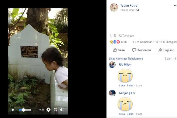 Pocut saat memanggil-manggil mamanya di makam sang ibu.