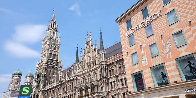 Gereja Frauenkirche yang berfungsi sebagai Katedral Keuskupan Agung Munich yang menjadi simbol ibu kota Bavaria.