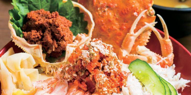 Rice-bowl kepiting kobako seharga 2.000 Yen di Restoran Sensai Enishi, Kanazawa, Jepang, ini dihidangkan dengan topping daging kepiting yang manis dan telur kepiting yang creamy.