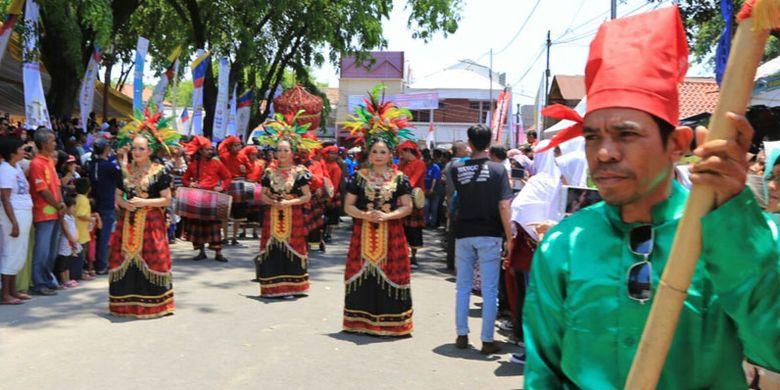 Festival Keraton Nusantara (FKN) XI berlangsung 15-19 September 2017 di kota Cirebon, Jawa Barat yang dimeriahkan dengan gelaran kesenian dan kebudayaan dari 50 kesultanan dan raja-raja yang ikut dalam festival budaya tersebut.