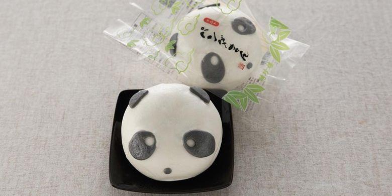 Produk bakpao berbentuk panda dari restoran Heichinro, restoran Cina tertua yang ada di Jepang sejak tahun 1884.