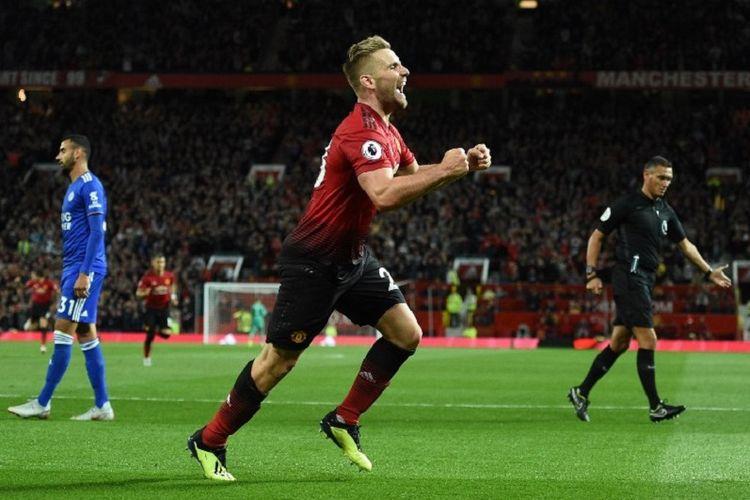 Luke Shaw merayakan gol Manchester United ke gawang Leicester City pada pertandingan pembuka Premier League 2018-2019 di Old Trafford, 10 Agustus 2018.