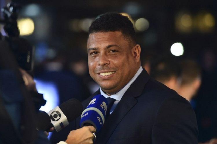 Eks striker andalan tim nasional Brasil, Ronaldo Luis Nazario de Lima, menjalani wawamcara pada acara The Best FIFA Football Awards, di London, Inggris, 23 Oktober 2017.