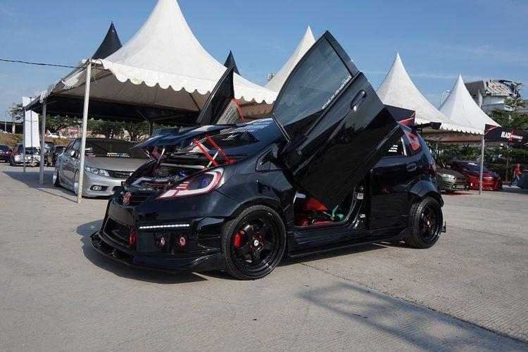 Honda Jazz street racing keluaran 2011 dari klub RGarage berhasil menjadi The King of Black pada gelaran Blackauto Battle Makassar 2018.