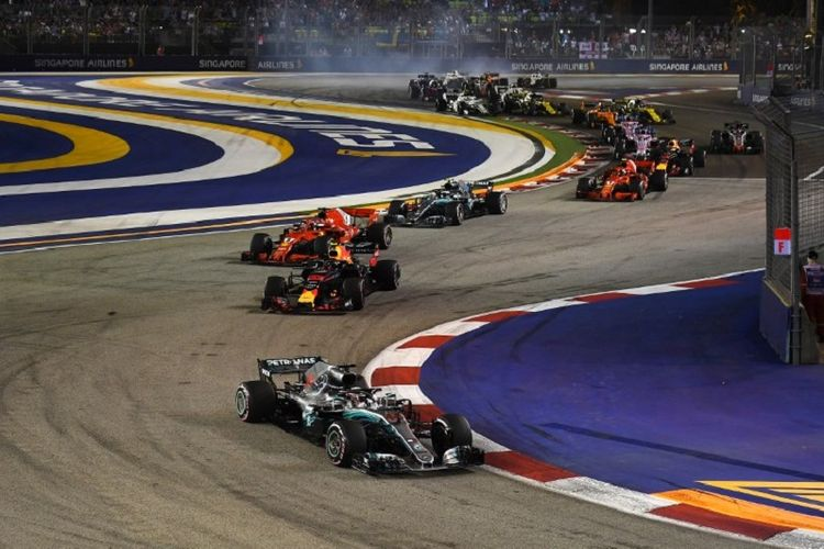 Suasana lomba balap Formula 1 di Sirkuit Marina Bay, Singapura, 16 September 2018.