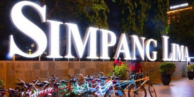 Yuk Ikut Hendrar Blusukan Wisata Kuliner di Simpang Lima Semarang