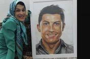 Menggunakan Kaki, Wanita Penyandang Disabilitas Ini Lukis Wajah Ronaldo