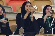 Pertama Kali, Perempuan Saudi Tonton Pertandingan Bola di Stadion