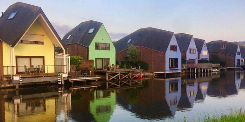 Almere adalah kota terbaru di Belanda sebagai alternatif hunian bagi warga Amsterdam yang sudah penuh sesak. Kota di Provinsi Flevoland ini masih terasa sejuk dan sepi dari pendatang maupun wisatawan.