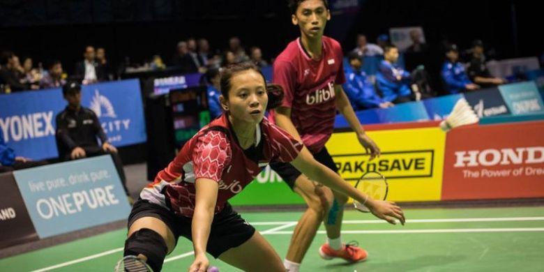 Pasangan ganda campuran Indonesia, Ronald/Annisa Saufika, saat bertanding pada turnamen Selandia Baru Terbuka 2017.