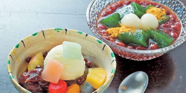 Beberapa hidangan pencuci mulut di Seryo-Jaya yang hanya berjarak satu menit dari Kuil Sanzen-in, di Kyoto Jepang. Tea house ini menyediakan banyak pilihan pencuci mulut.