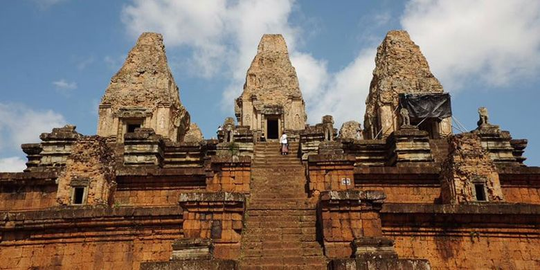Kuil Ta Keo di Kamboja.