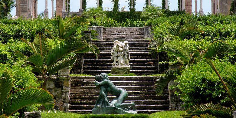 Kebun Versailles di Bahama.