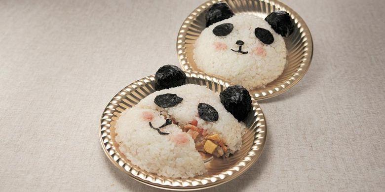 Sushi berbentuk panda di Tokyo, Jepang.