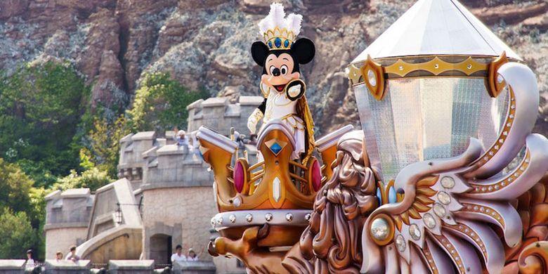 Disneyland Tokyo di Jepang.