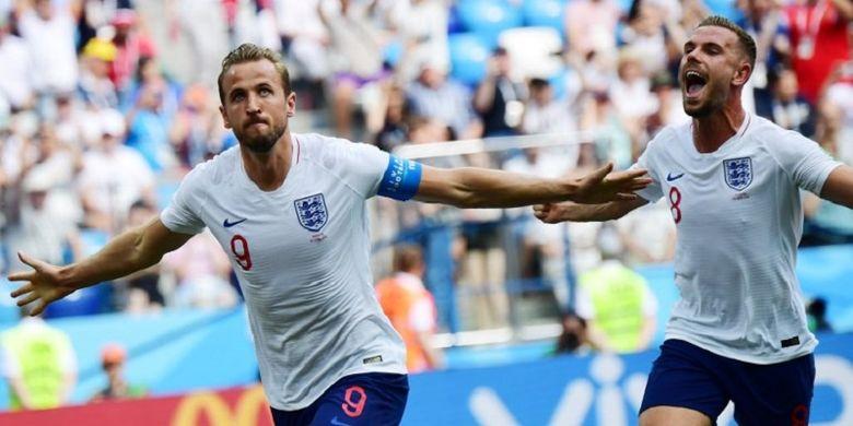 Harry Kane dan Jordan Henderson merayakan gol Inggris ke gawang Panama pada pertandingan Grup G Piala Dunia 2018 di Nizhny Novgorod, 24 Juni 2018.
