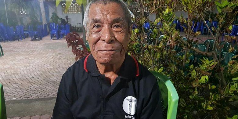 Orestis Parera, budayawan Desa Sikka yang menuturkan sejarah tradisi Logu Senhor.