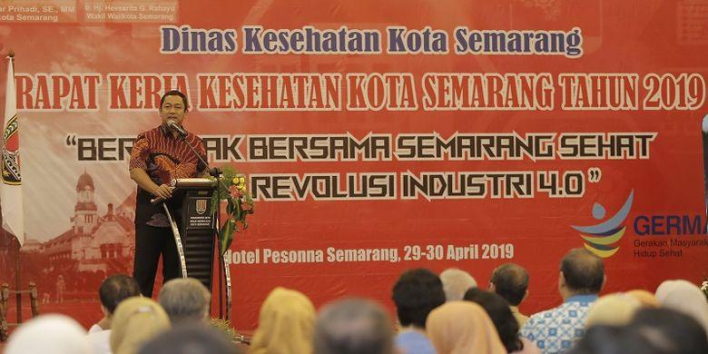 Wali Kota Semarang Hendrar Prihadi memberikan sambutan dalam Rapat Kerja Kesehatan (Rakerkes) Kota Semarang Tahun 2019 di Hotel Pesonna Semarang, Senin (29/4/2019.