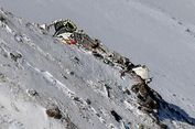 Sulitnya Upaya Pengambilan Jenazah Korban Pesawat Jatuh di Iran