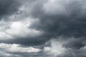 Hujan Lebat, Angin Kencang, dan Petir Berpotensi Terjadi, Masyarakat Diminta Waspada