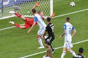 Loncat dari Lantai 6, Pria Telanjang Rusia Lukai 3 Fans Argentina