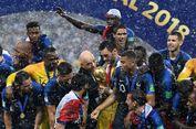 Hujan Warnai Penyerahan Medali dan Trofi Piala Dunia 2018