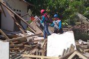 Akibat Gempa Lombok, Pegawai PLN Kerja di Tenda