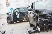 Sedang Menolong Korban Kecelakaan, 2 Pria Ini Tewas Tertabrak
