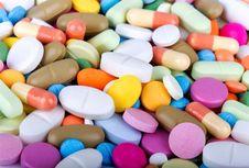 90 Persen Industri Obat Nasional Pakai Bahan Baku Impor