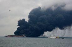 Jenazah Ditemukan di Dekat Kapal Tanker yang Terbakar Setelah Tabrakan