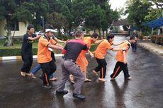 Bahagianya Siswa Tunanetra Belajar Selamatkan Diri Ketika Gempa Datang